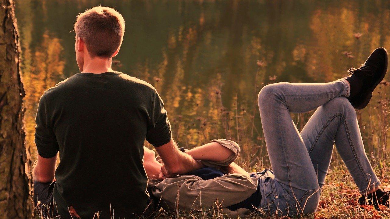 失礼な未読無視・既読無視をする彼氏の心理と、連絡のこない場合の対処法